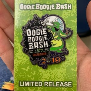 Oogie boogie bash limited edition pin #2019